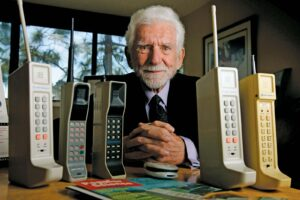 Martin Cooper invented the mobile phone